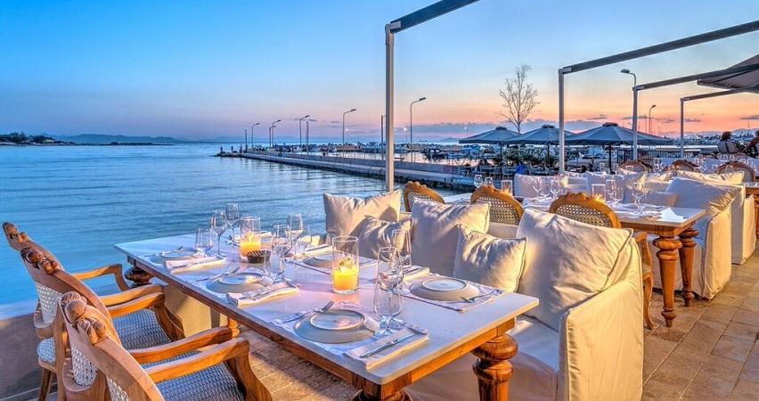 beach bar glifada