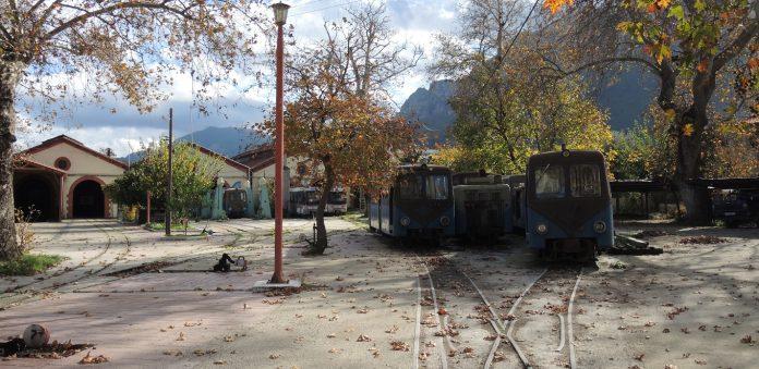 Pociąg Co Utknął W Wąwozie Odontotos Polonorama